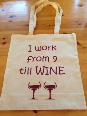 Picture of 9 till wine bag