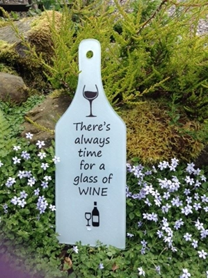 Picture of Time for wine glass chopping board