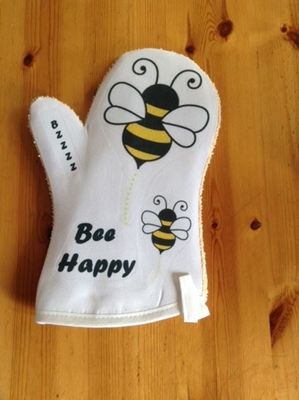 Picture of Bee Happy oven glove